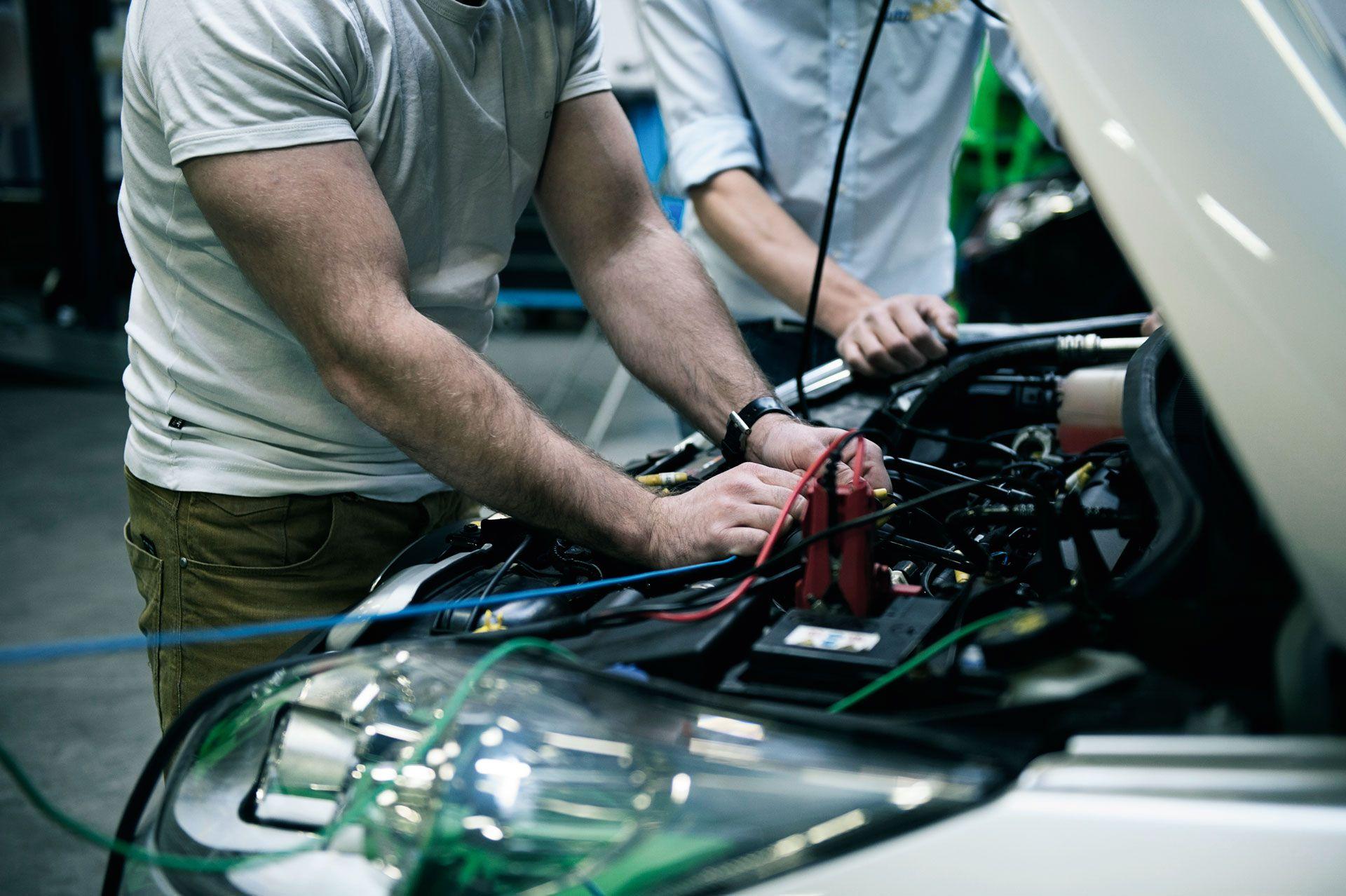 blijf-in-vorm-blogs-commercieel-ontwikkel-jezelf-als-autotechnicus-met-een-cursus-autotechniek-11232.jpg